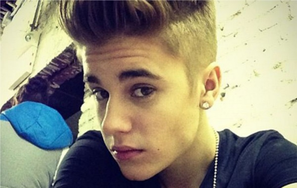Justin-Bieber-selfie