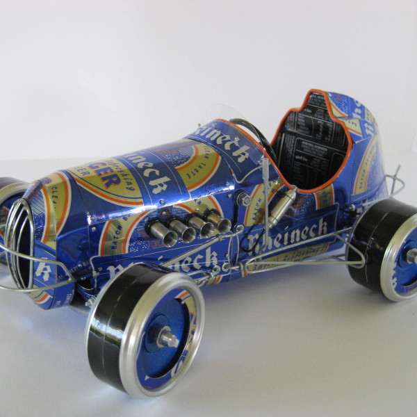 how to make a car out of soda cans