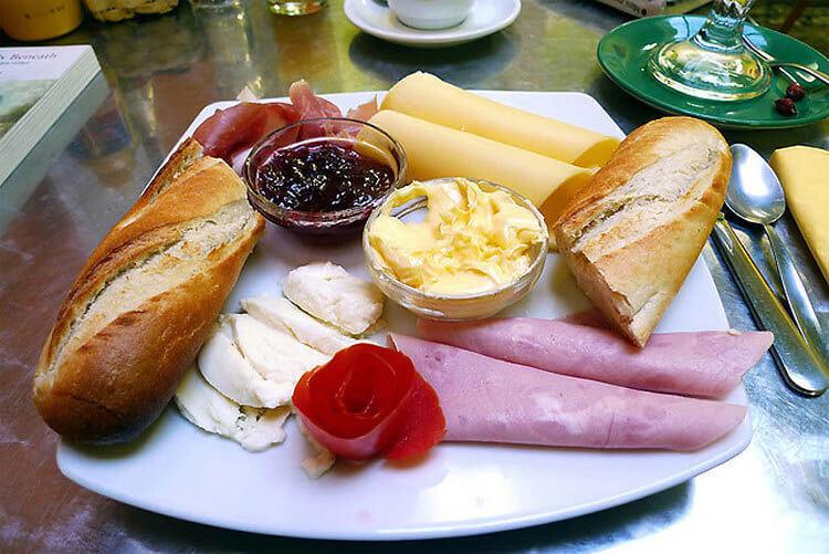 breakfast around the world 13