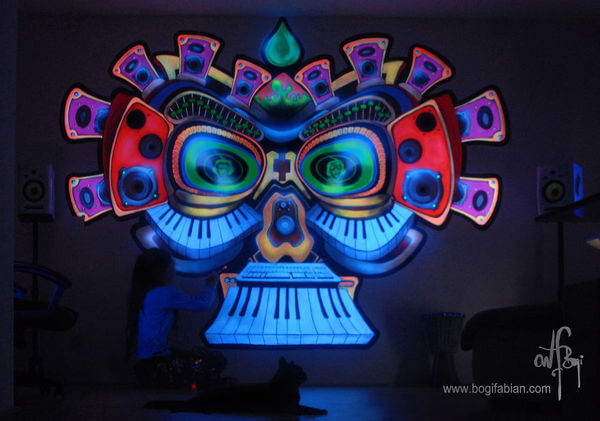 amazing glowing paintings