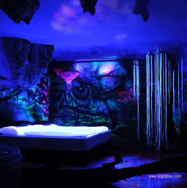 amazing glowing murals