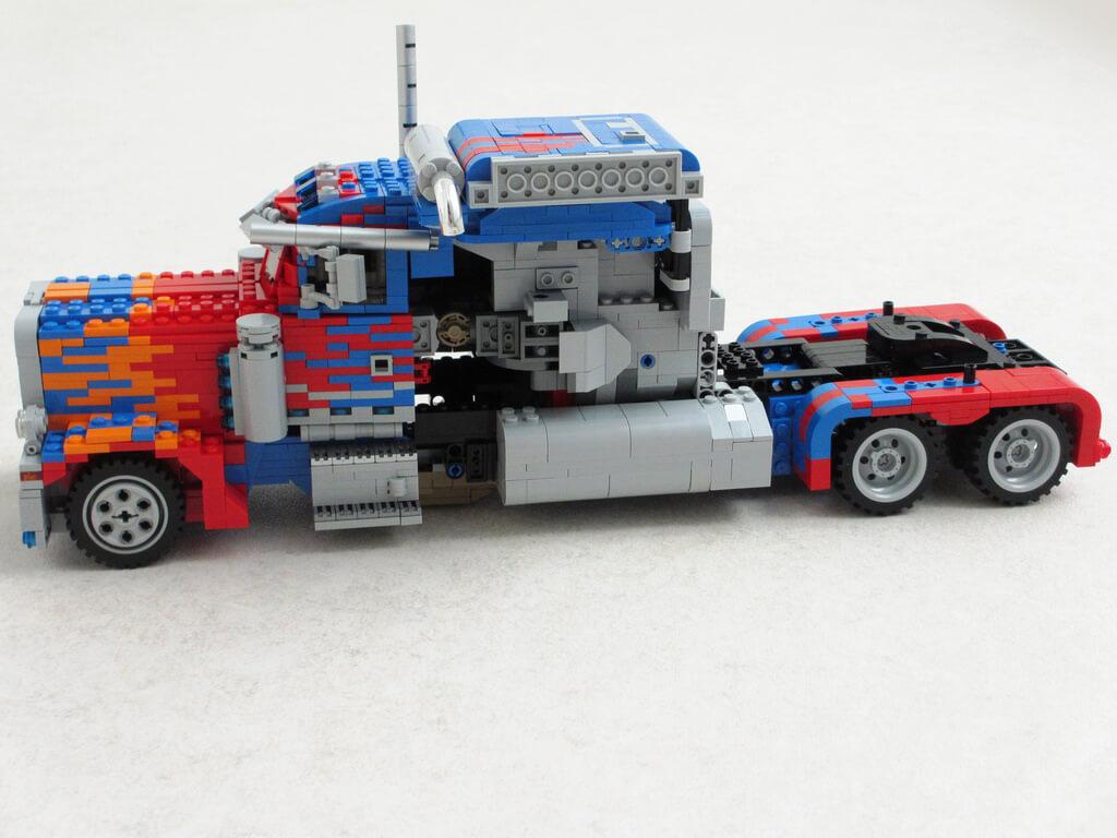 LEGO Optimus Prime 6