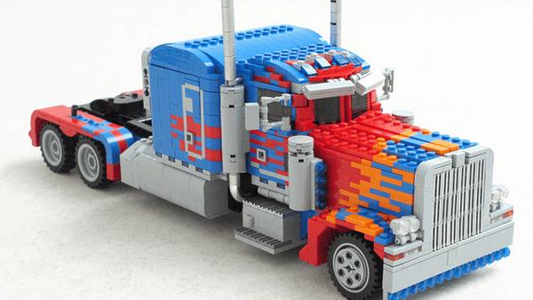 LEGO Optimus Prime 1
