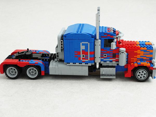 LEGO Optimus Prime 3