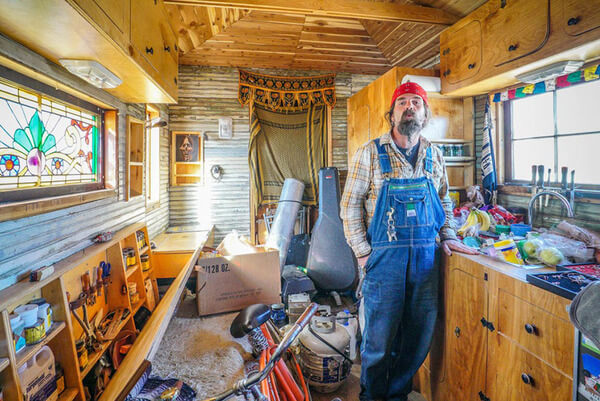 people who live in tiny houses 24