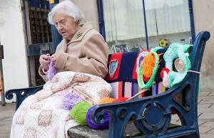 grandma yarn-bomb 1