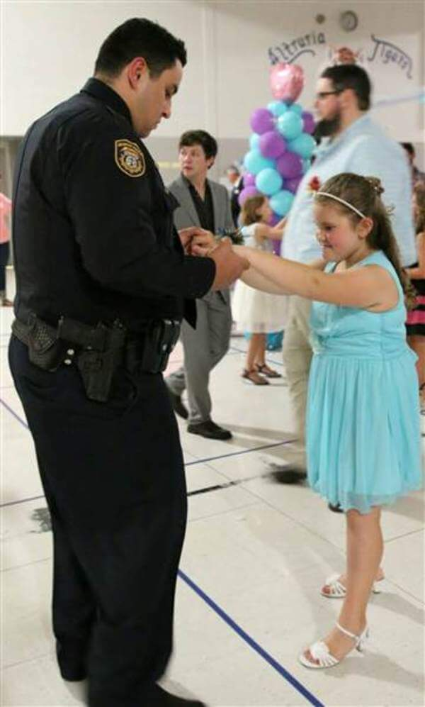 policemen attend father daughter dance with girl 2