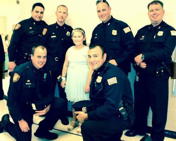policemen attend father daughter dance with girl 3