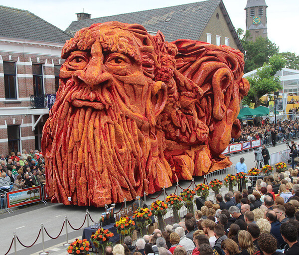world's largest flower parade 19