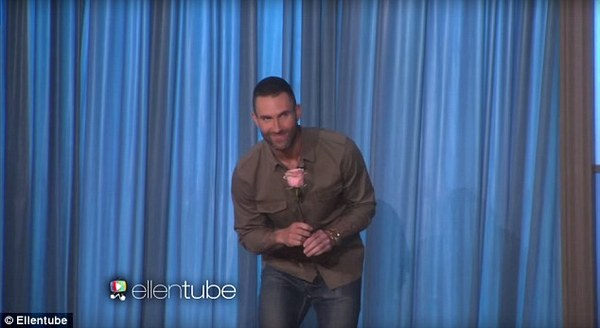 adam levine meets girl who wants to marry him 4
