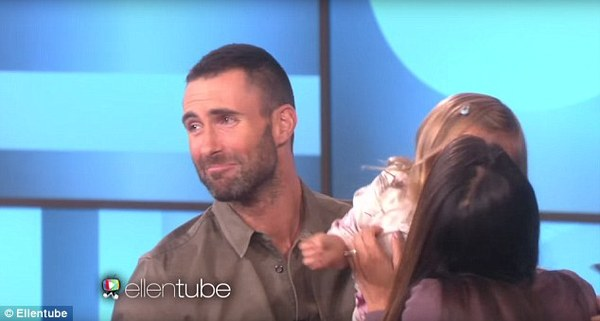 adam levine meets girl who wants to marry him 3