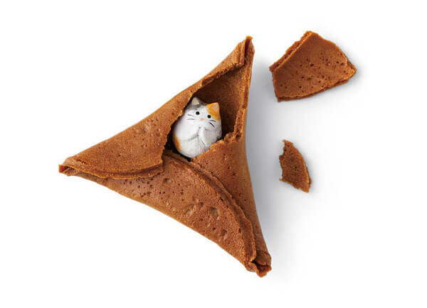 Fortune Cat Rice Crackers 1
