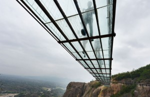 glass bridge in china 4