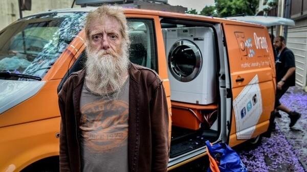Orange Sky Laundry offers free washing service 3