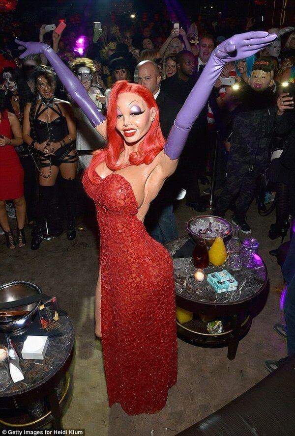 Heidi Klum halloween costume 15