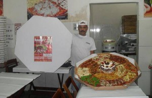 bizarre pizza 2