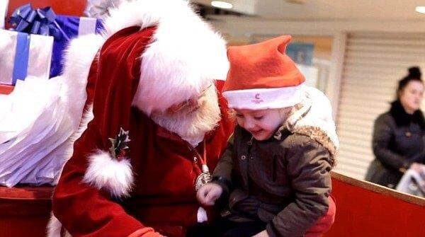 Santa Using Sign Language 7