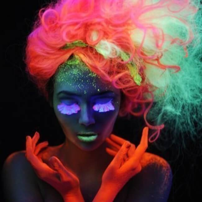 glow in the dark hair 4