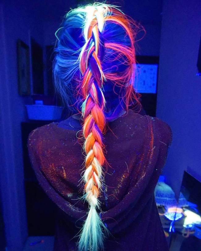 glow in the dark hair 10