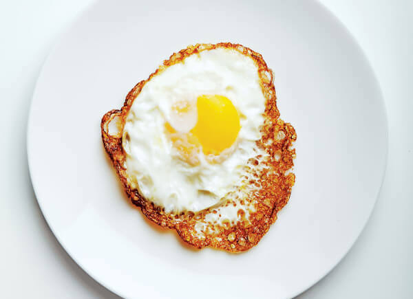 olive-oil-fried-egg-620x708