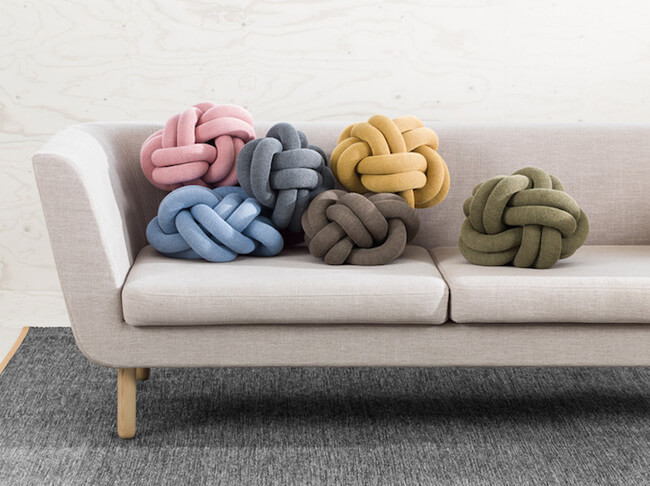 knot cushions 1