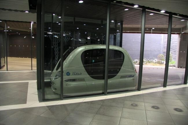 Futuristic Driverless Pods Will Run On Singapore's Roads 8