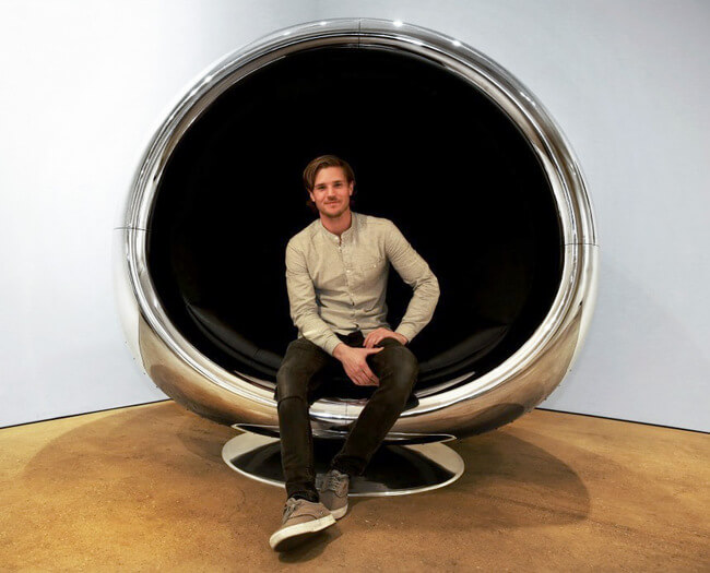 Chair Made Of a Repurposed Boeing 737 Engine 1