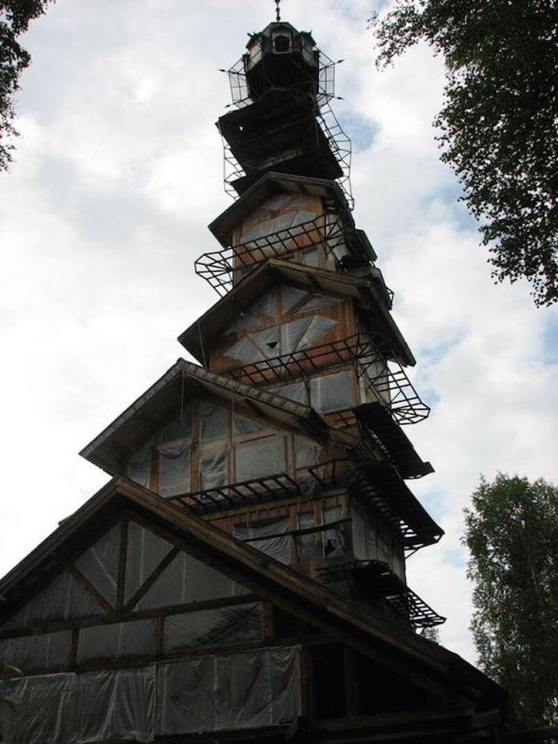 dr seuss house in alaska 3 (1)