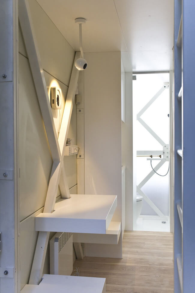 world's narrowest house 10