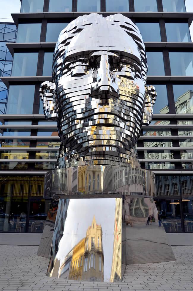 kafka statue prague 2