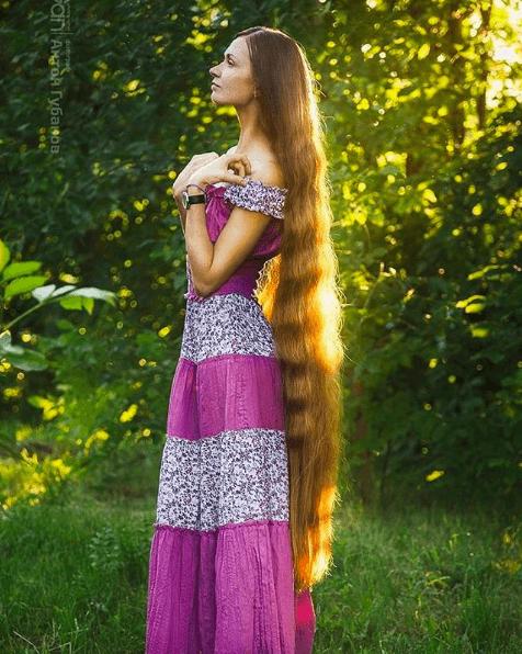 Woman Didn't Cut Her Hair For 13 Years 7 (1)