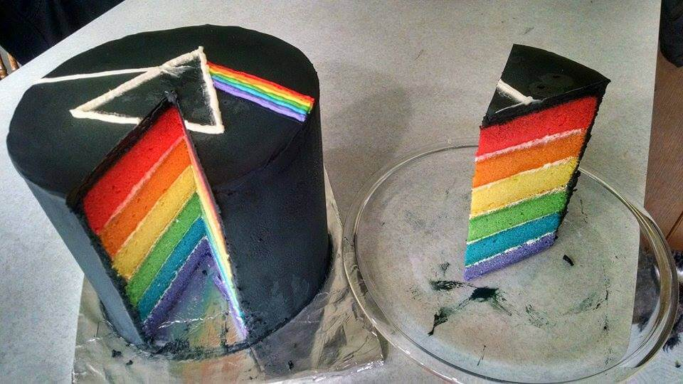 the dark side of the moon cake 3 (1)