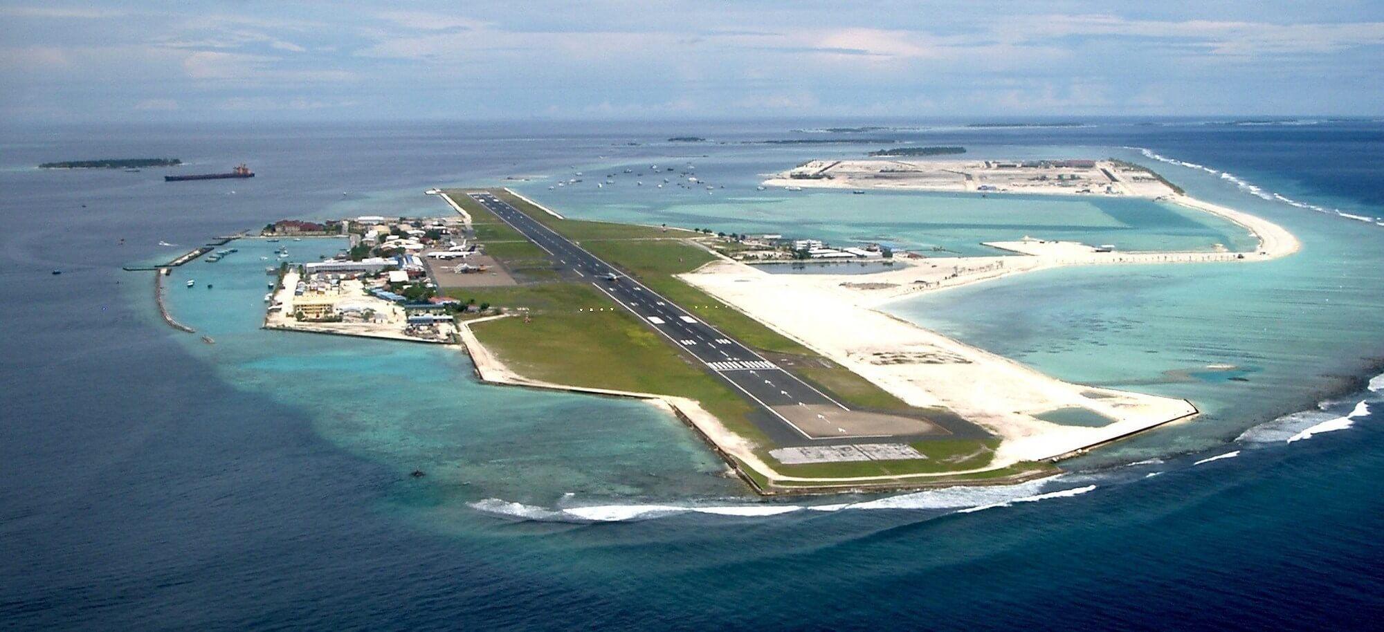 theawesomedailycom-hulhule_island-5718b9c3c58e5 (1)