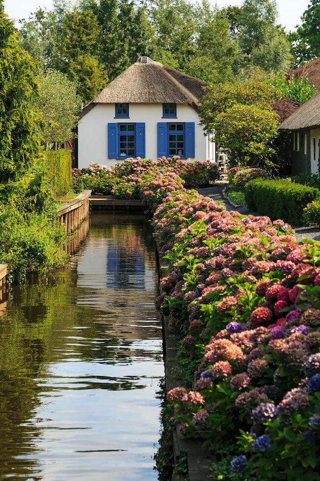 giethoorn holland village on canals 2