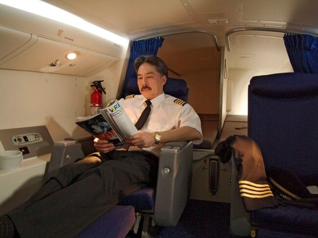 secret airplane bedrooms 9