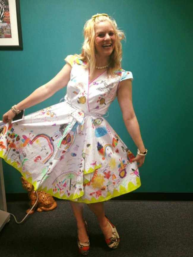 teacher wears dress made of kids art work 6