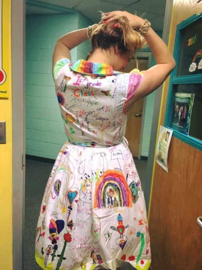 teacher wears dress made of kids art work 11