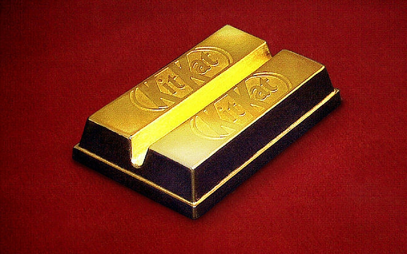 gold kit kat bar feat
