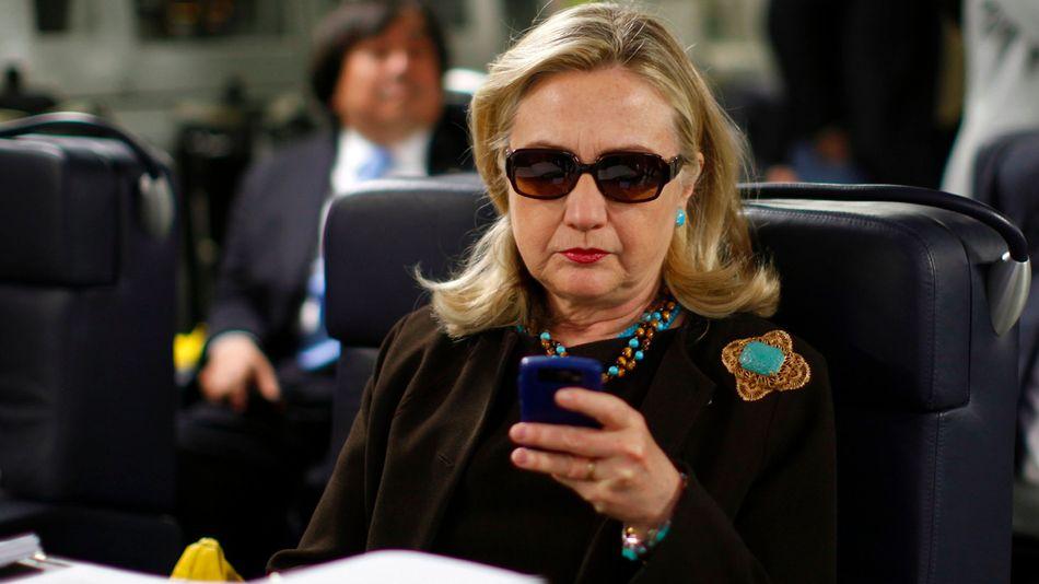 hillary delete your account tweet to donald trump