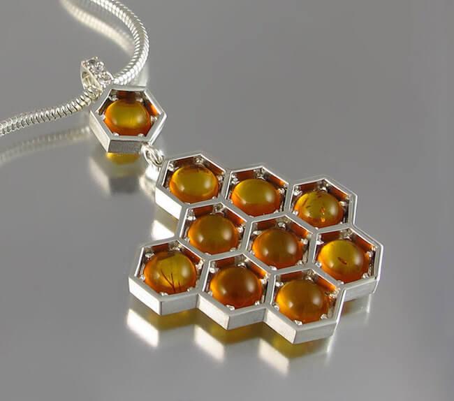 lion honeycomb jewelry 1