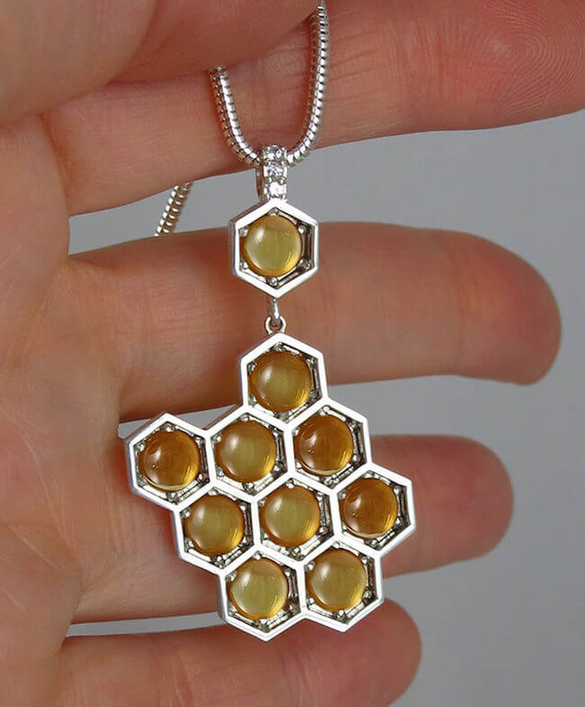 lion honeycomb jewelry 2