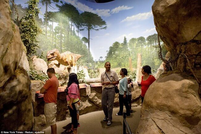 Huge life-size Noah's Ark 18