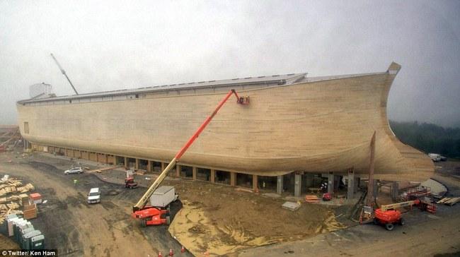 Huge life-size Noah's Ark 1