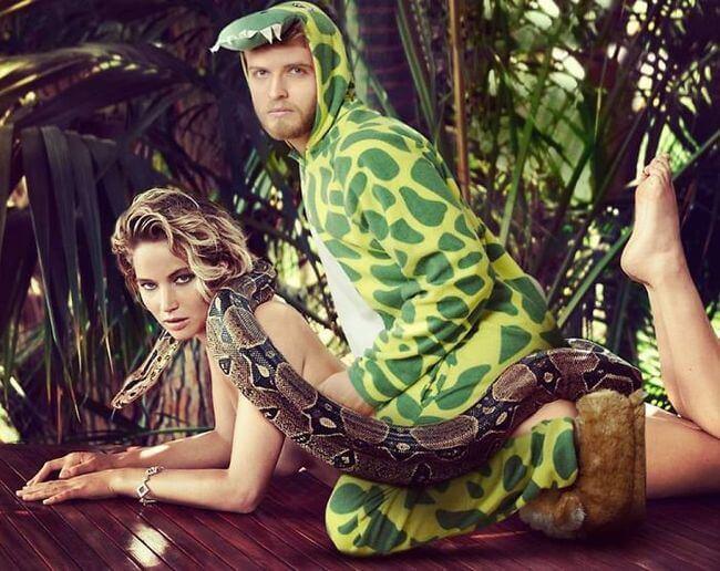 Guy Photoshopping himself into Celebrities Pics 21
