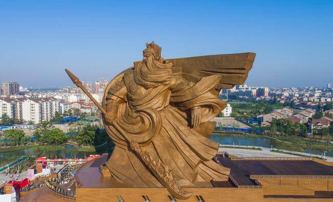1,320-ton sculpture of Chinese God of war 4