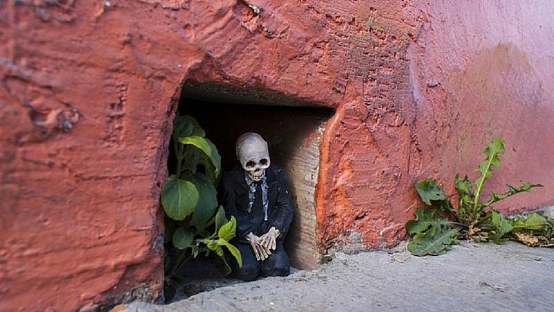 miniature skeletons feat