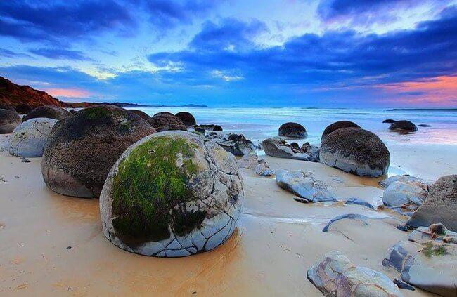 Unusual Beaches Around the World 11