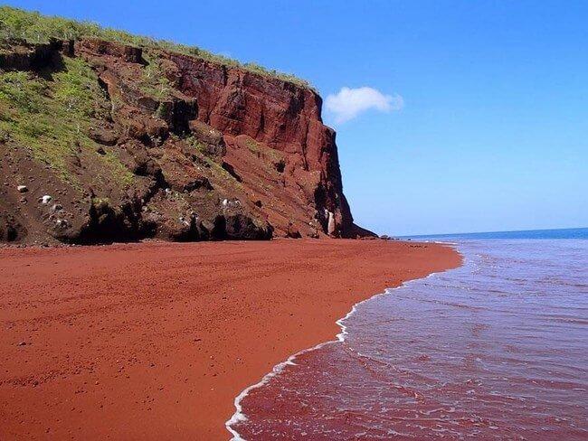 Unusual Beaches Around the World 7