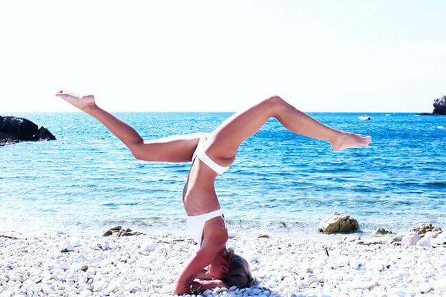 Swedish pilot does yoga around the world 6