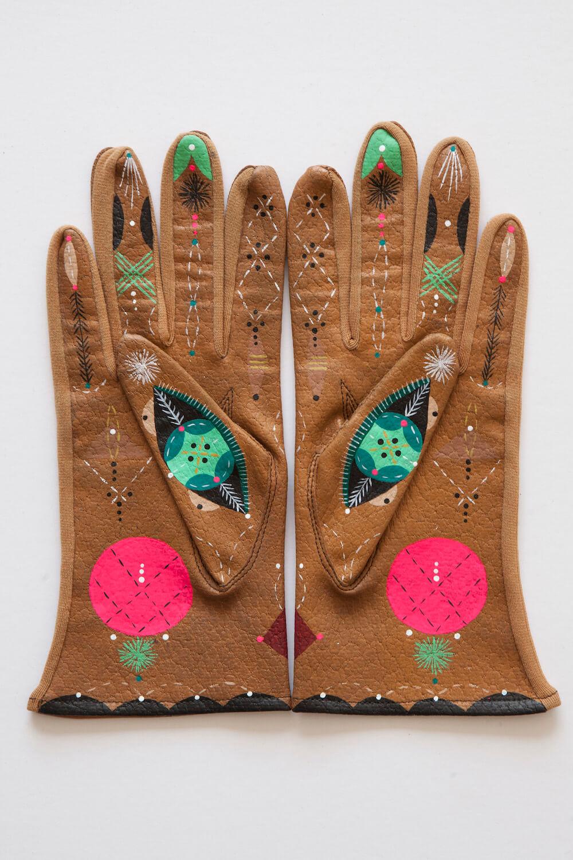 Bunnie Reiss animal gloves 2 (1)